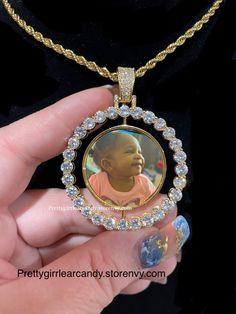 Custom Jewelry, Birthday Ideas, Pendant Necklace, Handmade, Accessories, Hand Made, Personalized Jewelry, Drop Necklace, Handarbeit