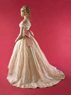 Ball gown ca. 1865    From the Musee Galliera