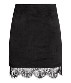 Short skirt in imitation suede with concealed side zip, soft jersey lining & elaborate lace trim at hem. | Party in H&M