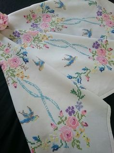 Stunning Vintage Tablecloth Heavily Hand Embroidered Flowers Embroidery Beige Linen