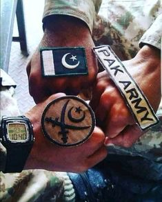 Pakistan Country, Pakistan Zindabad, Pakistan Fashion, Army Love Quotes, Pak Army Quotes, Poetry About Pakistan, Pakistan Wallpaper, Beauty Army, Pak Army Soldiers