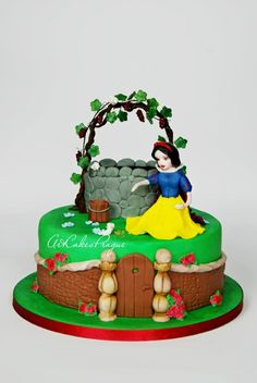 Snow White birthday cake - Cake by Art Cakes Prague by Victoria Mkhitaryan