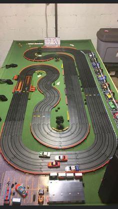 Race Car Sets, Slot Car Race Track, Slot Car Racing, Slot Car Tracks, Race Cars, Afx Slot Cars, Kart Parts, Poker Table, Carrera