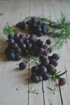 Sweet tuscan flatbread with grapes, honey and rosemary