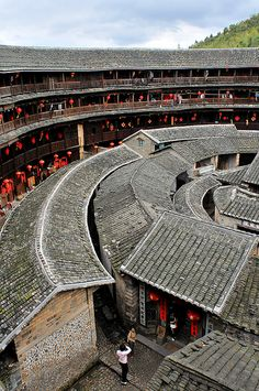 The distinctive round Tulou buildings are the communal homes of the Hakka people in Fujian, China China Architecture, Vernacular Architecture, Interior Architecture, Interior Design, Turandot Opera, Beijing, Chinese Courtyard, Fujian China, Asia