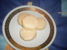 Vianočné pečivo so snehom Pancakes, Cookies, Breakfast, Desserts, Food, Crack Crackers, Morning Coffee, Tailgate Desserts, Deserts
