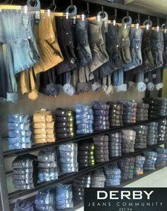 Merchandising Definition - What is Merchandising Doblado jeans diferente - Merchandising - Ideas of Merchandising - Doblado jean. Boutique Interior, Clothing Store Interior, Clothing Store Displays, Clothing Store Design, Store Window Displays, Booth Displays, Retail Displays, Shop Displays, Jewelry Displays