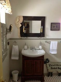 1000 images about primitive colonial bathrooms on for Colonial bathroom ideas