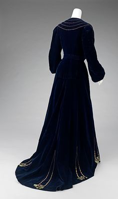Afternoon dress Design House: House of Paquin  Designer: Mme. Jeanne Paquin  Date: ca. 1901 Culture: French Medium: silk Accession Number: 2009.300.3267a–c