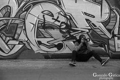 https://flic.kr/p/SAZQBx | Night Out Shooting | #GonzaloGaticaPhotography #LasVegas #Vegas #SinCity #WhatHappensInVegas #BAndW #BlackAndWhitePhotography #StreetPhotography #Canon5DMarkIV #CanonShooter #Photography #Photographer #Travel #TravelPhotography #Graffiti #GraffitiArt #Tattoo #Tattoos #Fremont #FremontStreet #FremontStreetExperience #FremontExperience #Nevada #SilverState #DanBushKin #StreetArtist #ArtDistrictLasVegas #DowntownLasVegas #OldLasVegas #FotografoArgentinoEnLasVegas…