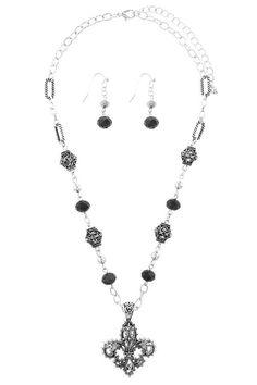 Filigree carved fleur de lis necklace set