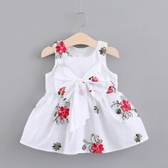 Girls Dresses Sewing, Toddler Girl Dresses, Little Girl Dresses, Infant Dresses, Baby Girl Frocks, Frocks For Girls, Baby Girl Dress Patterns, Baby Clothes Patterns, Girl Outfits
