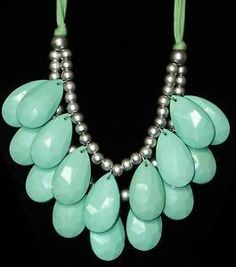 LOVE this turquoise teardrop statement necklace! Must find one!
