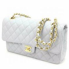 Chanel bag in white. Want, want, want!!!