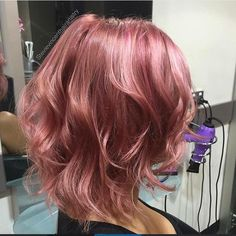 Rose-Gold Hair The most beautiful hair ideas, the most trend hairstyles on this page. Cabelo Rose Gold, Rose Gold Hair, Alena Shishkova, Corte Y Color, Dye My Hair, Pastel Hair, Bright Hair, Grunge Hair, Hair Dos