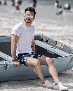 Headed to a private island today with Hows your Monday going? Keep an eye on my Story to see more! Beach Photography Poses, Beach Poses, Summer Outfits Men, Men Beach, Vacation Outfits, Man Photo, Stylish Men, Outfit Beach, Beach Outfits