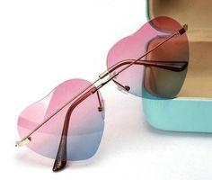 fedaf14f3d0ca4 *Óculos de sol formato coração degradê rosa* Óculos de sol formato de  coração na
