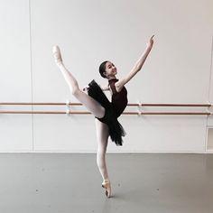 "39 Likes, 3 Comments - Ballerinas Only (@ballerinasonly) on Instagram: ""Jadyn Williams at the Houston Ballet Academy ❤ @ballerinajadyn"""