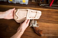 How to Make a Leather Holster - Mr. Sewing Leather, Leather Pattern, Diy Leather Holster, Leather Front Pocket Wallet, Western Holsters, Leather Projects, Leather Crafts, Gun Holster, Leather Tooling