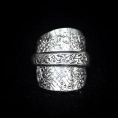 """@lady.rock.crafts on Instagram: """"Spoon bending #🥄  International Silver, Valencia Pattern Tea Spoon, now reborn as a ring 💚🥄💍🔨 #spoonring #spoonrings #diyrings #crafts…"""" Diy Rings, Jewelry Rings, Spoon Bending, Spoon Rings, Rock Crafts, Valencia, Rings For Men, Wedding Rings, Engagement Rings"""