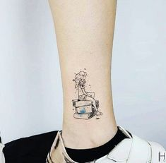 More than 40 of the best designs for tattoos and face painting - Page 18 of 43 - BEAUTIFUL LIFE Mini Tattoos, New Tattoos, Body Art Tattoos, Small Tattoos, Bookish Tattoos, Literary Tattoos, Reading Tattoo, Book Tattoo, Best Tattoo Designs