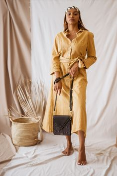 The Maggie bag is the perfect small, on-the-go bag. Perfect for a night out or a quick trip around town. Designer Leather Handbags, Go Bags, International Brands, Slow Fashion, Leather Wallet, Night Out, Elegant, Accessories, Women
