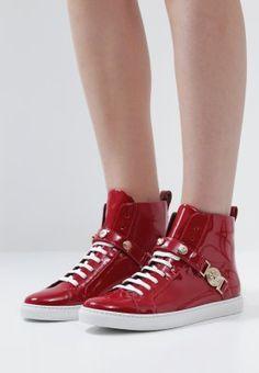 43 meilleures images du tableau Chaussures-Femme   Court shoes, Heel ... 8461341c7a4