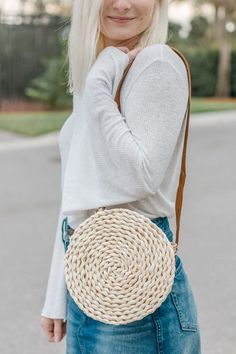 Make your own straw crossbody bag for under $10!