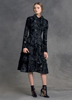 dolce and gabbana winter 2016 woman collection 88 Fashion Week, Trendy Fashion, High Fashion, Winter Fashion, Womens Fashion, Fashion Trends, Mode Chic, Dolce & Gabbana, Mode Outfits