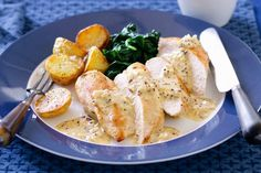 Making a gourmet meal for the family is easier than you think with this beautiful chicken in white wine and mustard sauce. Sauce Recipes, Gourmet Recipes, Chicken Recipes, Cooking Recipes, Gourmet Meals, Chicken Meals, Yummy Recipes, Recipies, Yummy Food