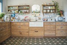 Puede que para la mayoría, el concepto de cocina de ensueño incluya muebles de diseño, electrodomésticos de lujo y encimeras de materiales ...