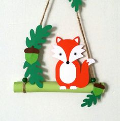 Mobile renard décor automne feuilles et glands, papier cartonné et bambou, fait main, création my little papeterie