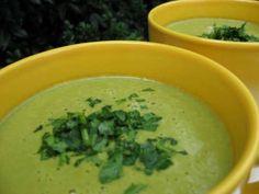 Vegane Knoblauchcremesuppe mit Gemüse