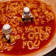 """""""Vader loves you"""" y otras simpáticas fotos Lego Star Wars Theme Star Wars, Star Wars Love, Star War 3, Star Wars Stormtrooper, Lego Star Wars, Star Destroyer, Obi Wan, Legos, Lego Lego"""