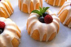 Lemon mini-bundt cakes | by (ariel)