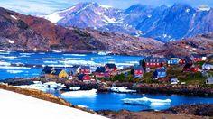 Kulusuk, Groenland Une petite île au Sud-Est du Groenland où toutes les maisons sont en bois et peintes de couleurs vives depuis 1909.