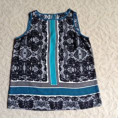 """Ann Taylor top Petite she'll easy care, gently worn, looks new! About 24"""" from shoulder to bottom Ann Taylor Tops"""