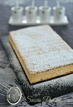 succès praliné Plus Single Serve Desserts, No Cook Desserts, Delicious Desserts, Just Desserts, Gourmet Recipes, Sweet Recipes, Snack Recipes, Dessert Recipes, Layered Deserts