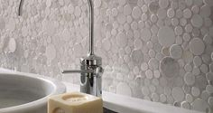 Porcelanosa Mosaico Moon wall tiles