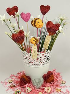 Hearts and Bees ~ free patterns ᛡ