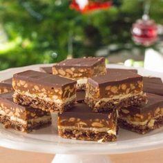 Prajitura Ana - Lucky Cake Sweet Desserts, No Bake Desserts, Lucky Cake, Snickers Cake, Romanian Desserts, Cake Recipes, Dessert Recipes, Homemade Sweets, Cake Shop