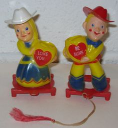 Texas Valentine's! 1950's Hard Plastic Valentine Couple by Rosbro.