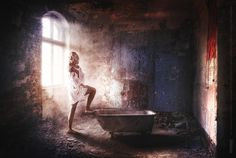 Ida Sandström model photo, lightning, bathroom, sensitive, woman, photo manipulation Mika Tervaskangas / Therwiz Design / Glenn Hägg. Kylpyhuone, nainen, mallikuvaus, malli, kuvamanipulaatio, kuvankäsittely, photoshop, kuva, ulkoasu Mika Tervaskangas / Therwiz Design. #Therwiz #MikaTervaskangas #TherwizDesign #layout #photo #photomanipulation #kylpyhuone #oldstyle #nainen #bathroom