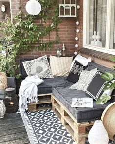 28 Elite Balcony Couch Design ideas With Pallets That Make You Feel Comfortable . - 28 Elite Balcony Couch Design ideas With Pallets That Make You Feel Comfortable – Balcony - Pallet Garden Furniture, Diy Furniture Couch, Outdoor Furniture Sets, Furniture Design, Furniture Ideas, Barbie Furniture, Furniture Makeover, Rustic Furniture, Painted Furniture