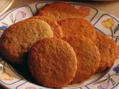 A traditional South African Biscuit or Cookie Soetkoekies (sweet biscuits) are spicy biscuits, flavoured with wine. They are very tradition. South African Dishes, South African Recipes, Sweet Cookies, Sweet Treats, Cake Cookies, Sugar Cookies, African Dessert, Kos, Cookie Recipes