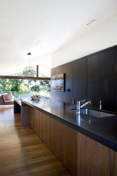 Lynch Street, Auckland, New Zealand by Dorrington Architects & Associates
