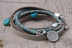 Wikkelarmband van verschillende soorten leer en met bedels | www.label160.nl