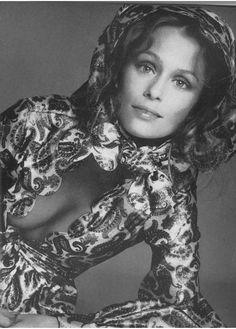 Lauren Hutton - Vogue Nov 1970 by Avedon