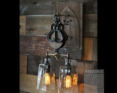 Lámpara de warehouser Industrial por MoonshineLamp en Etsy