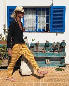 "461 Me gusta, 24 comentarios - Patrizia Casarini (@patzhunter) en Instagram: ""Small-town girl...!! #stripes #summertime #beachhouse #deco #mystyle"""